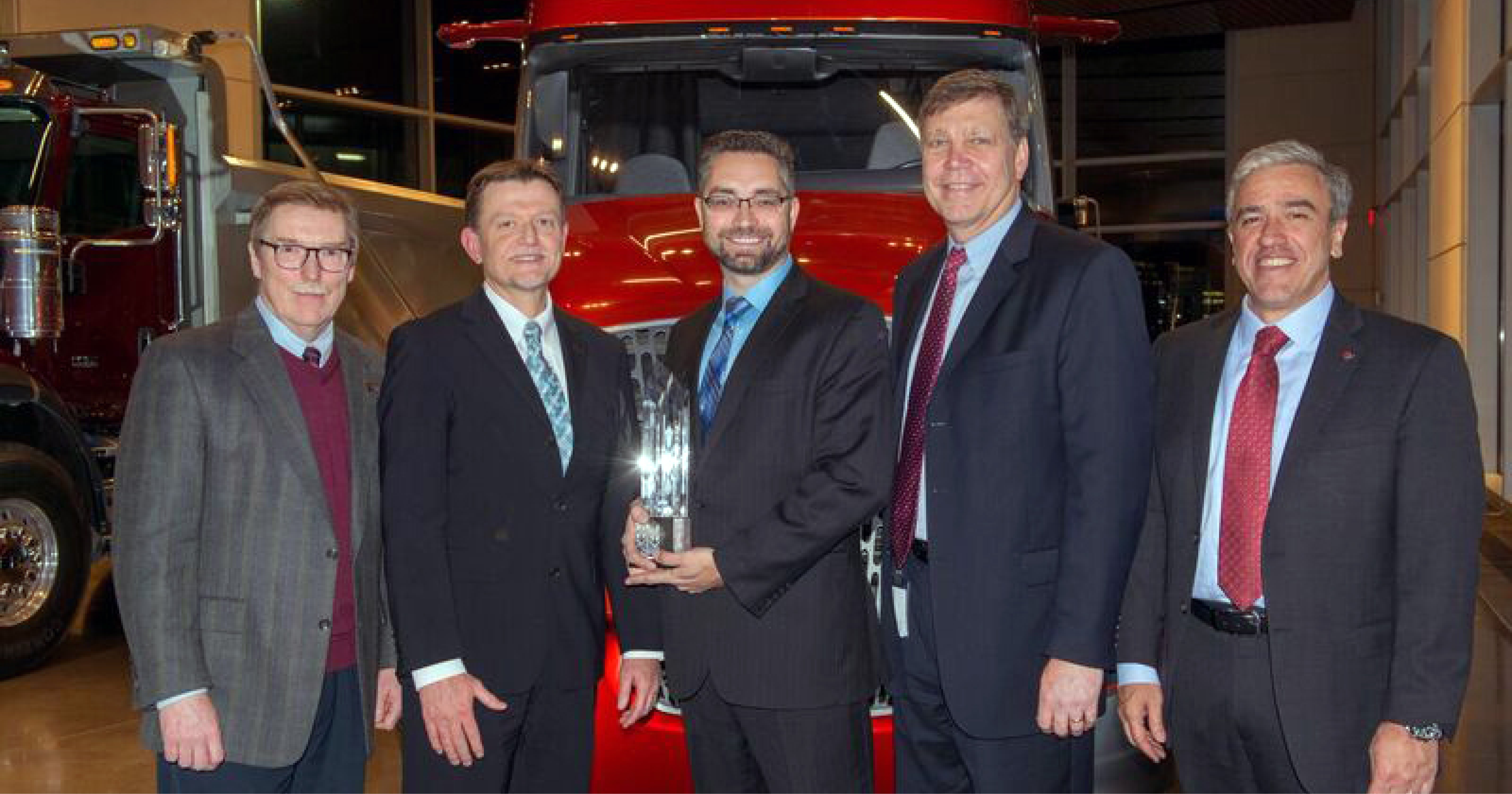 VOSS Automotive earns Navistar Diamond Supplier Award for the fourth consecutive year.